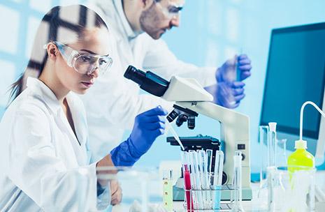 Foto de científicos en un laboratorio