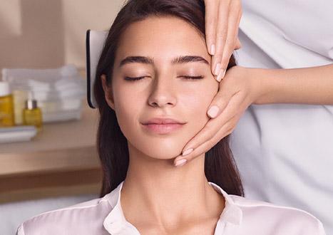 Mujer en un tratamiento Open Spa