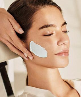 Tratamiento Facial Adiós a la Piel Seca